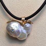 Large Pearl and Vine Pendant-SIDE-2