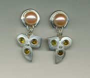 Shapes Pearl Earrings