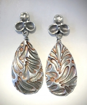 Fleur Leaf Earrings